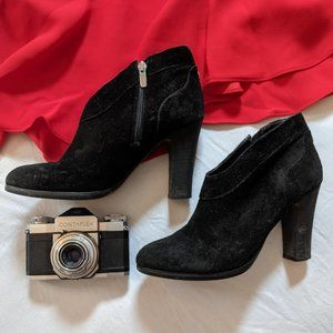 Crown Vintage Ivvy Black Suede Heeled Booties